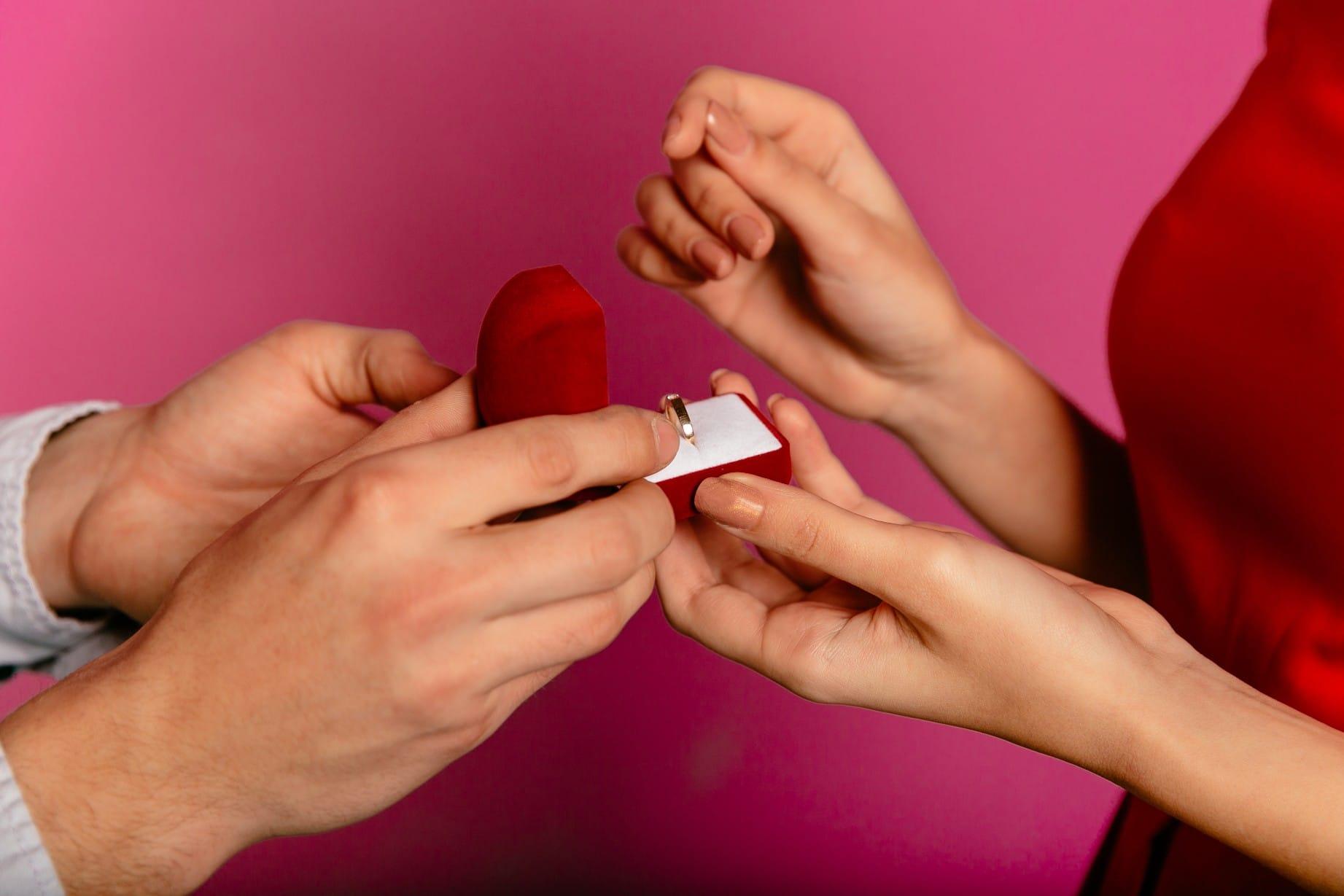 אביזרים להצעת נישואין מבית מסיבלנד