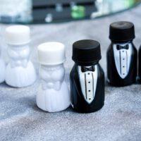 מתנות לאורחים בחתונה בקבוקוני חתן כלה לבועות סבון