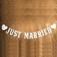 שלט Just Married לרכב