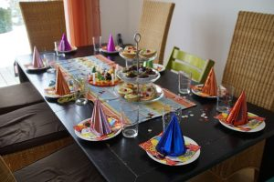 רעיונות לקישוט שולחן יום הולדת