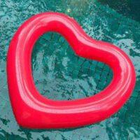 לב-מתנפח-לבריכה-200x200