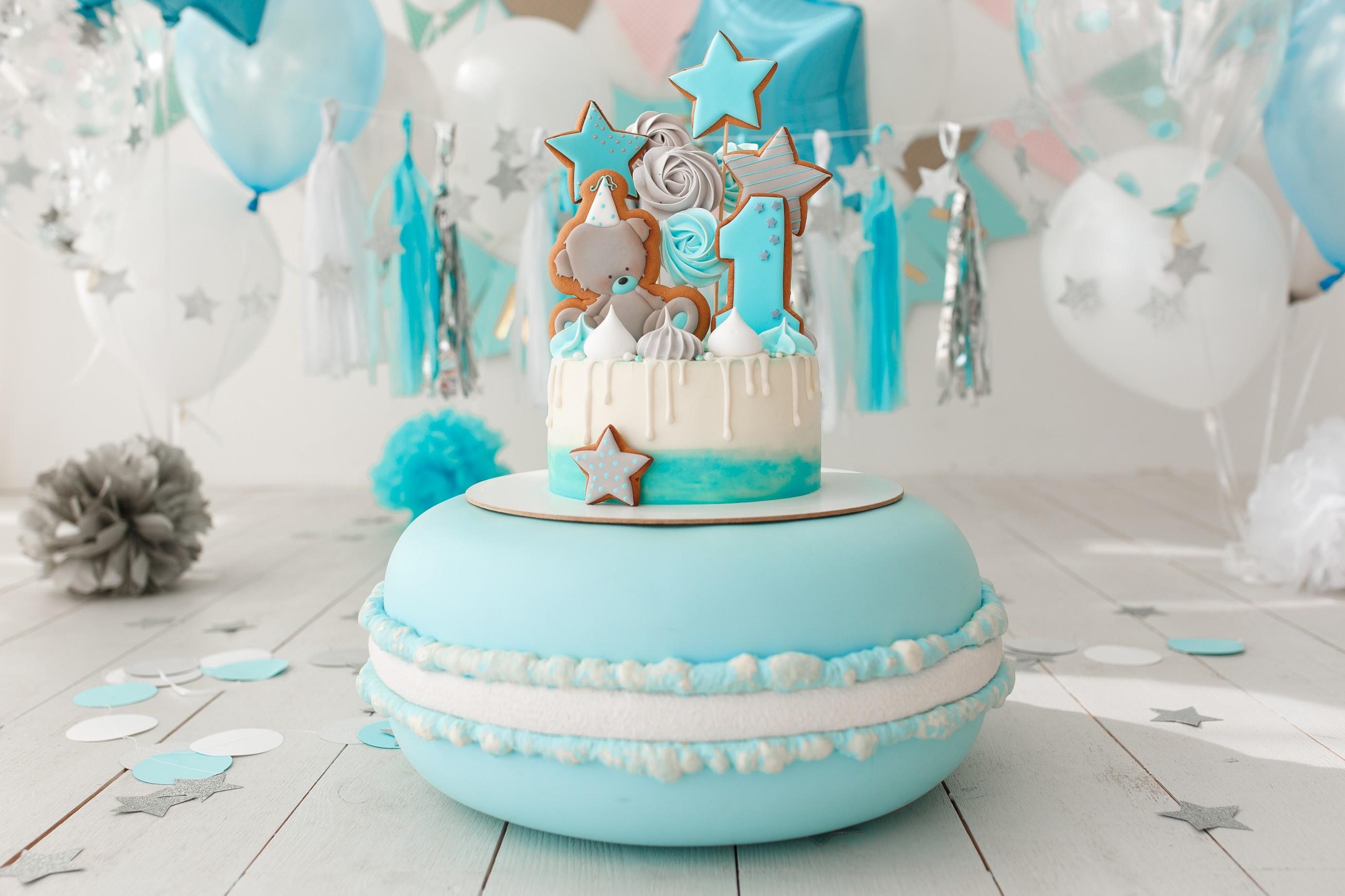 תמונה של יום הולדת בצבעים תכלת/ לבן